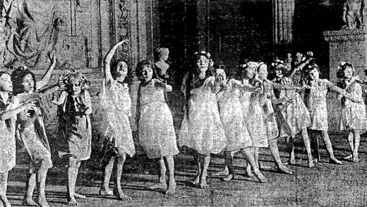 Greek Chorus, led by Patsey Shelley, in the Chicago Tribune